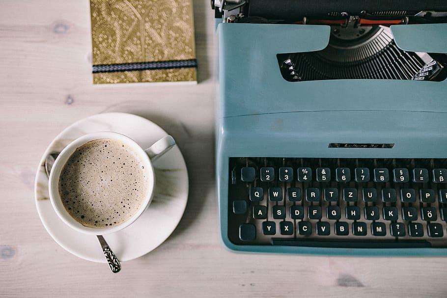 Luovan kirjoittamisen työpajan kautta kustannussopimukseen ja esikoisromaaniin