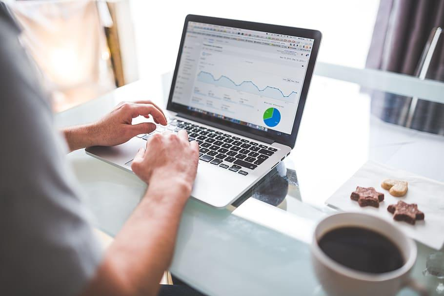 Löytävätkö asiakkaat yrityksesi nettisivuille? Tarkista Google-hakutuloksesi!